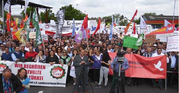 Alevi gruptan Erdoğan'a karşı miting