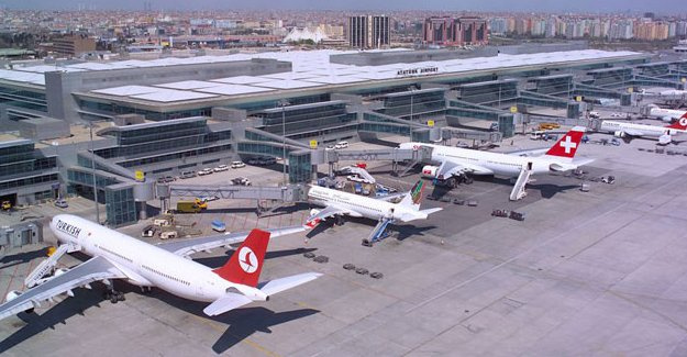 Atatürk Havalimanı rekor kırdı!