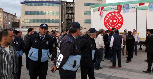 CHP'ye stand kurma yasağı