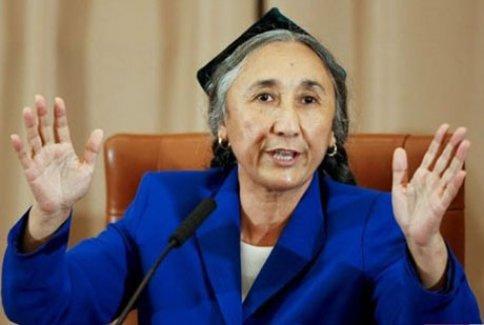 Çin'e meydan okuyan Türk kadını