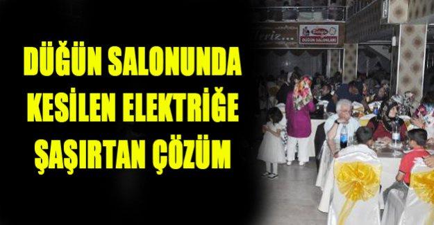 Elektrikler kesildi! Düğün devam etti!