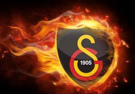Galatasaray iki isimle yollarını ayırdı
