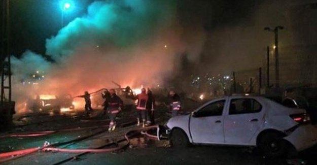 İstanbul'da karakola bomba yüklü araçla saldırı!