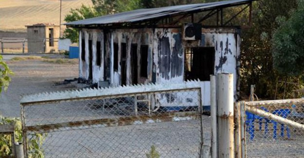 PKK'lılar işçilerin kaldığı konteyneri ateşe verdi!