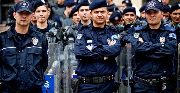Polisler, opera ve bale'ye