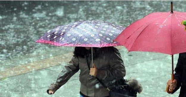 Yağmura hazırlıksız yakalandılar!