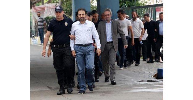 Yasa dışı dinleme operasyonunda 27 kişi adliyeye sevk edildi