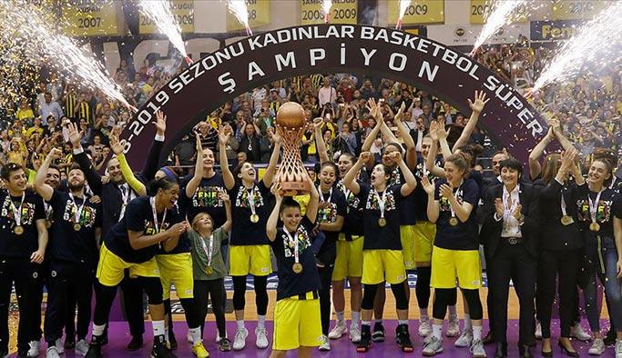 Kadınlar basketbolda şampiyon Fenerbahçe
