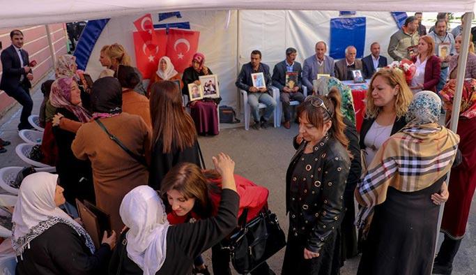 Diyarbakır Anneleri'ne öğretmenlerden destek
