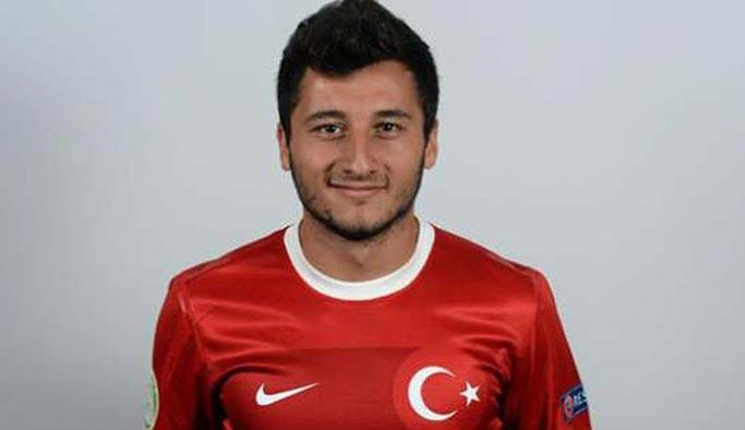Alman takımı Barış Harekatı'na destek veren futbolcuyla sözleşmesini bitirdi