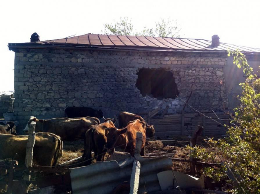 Ermenistan tarafından vurulan Azerilere ait bir ev...
