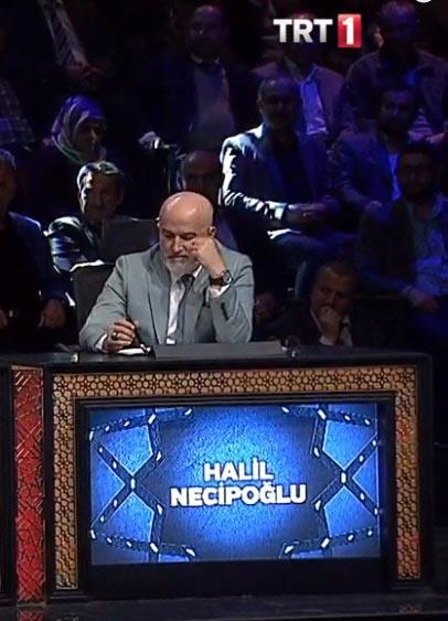 Halil Necipoğlu aslen nerelidir, kaç yaşındadır?