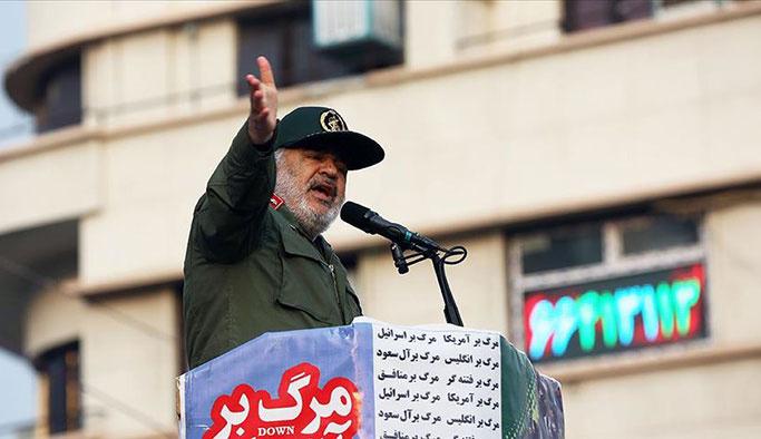 İran'da karşıt görüşlüler de sokağa çıktı