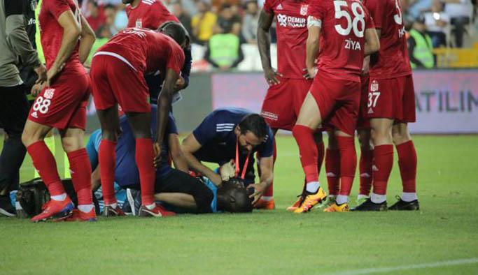 Sivasspor-Beşiktaş maçında korkutan sakatlık