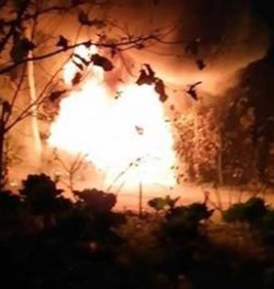 Minibüs alev topuna döndü, 9 öğrenci ölümden döndü